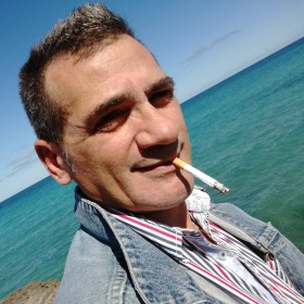 arthos, uomo cerca donne o coppie per incontri di sesso in Bari, foto